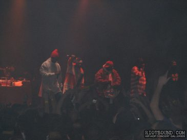 10_Wu_Tang_On_Stage