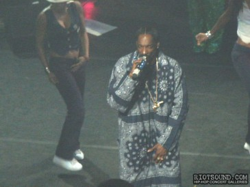 11_Snoop_Dogg_Live_In_Concert