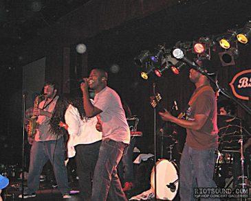 1_Live_Music_Band