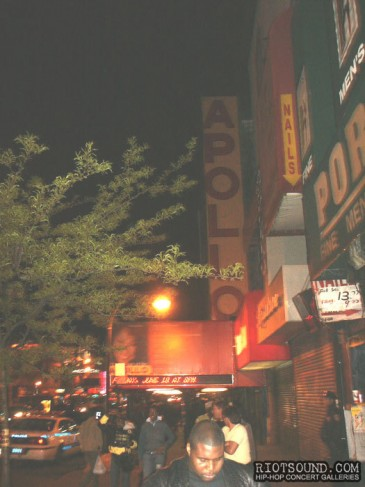 1_The_Apollo_Theatre_Harlem_New_York