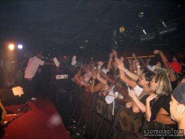 27_Crowd_Surfing