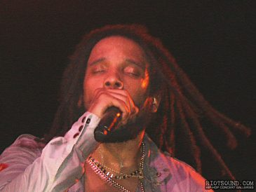 27_Stephen_Marley_Singing