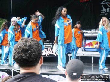 28_B_Girl_Dancers