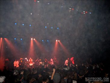 30_Wu_Tang_Performs_Live