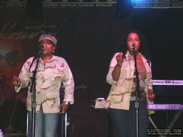 4_Backup_Singers