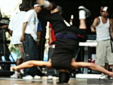 54_Break_Dancer