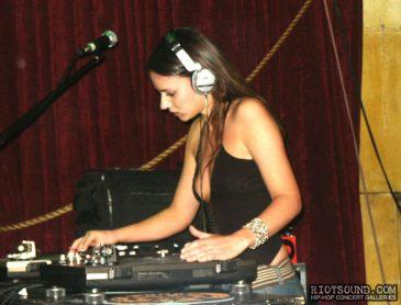 5_Hot_Female_DJ