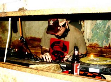 ItsAWrapJul2004_2