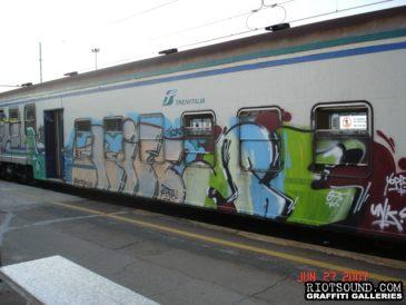 11 Milan Train Graff Piece 1