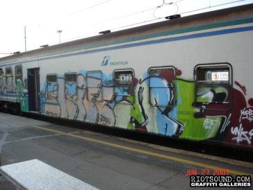 11_Milan_Train_Graff_Piece
