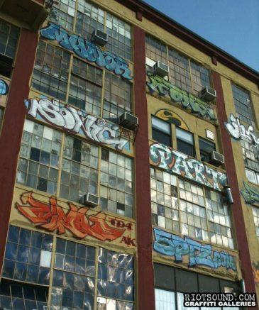 29_Spraypainted_Building