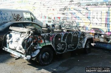 34_Car_Covered_With_Graffit