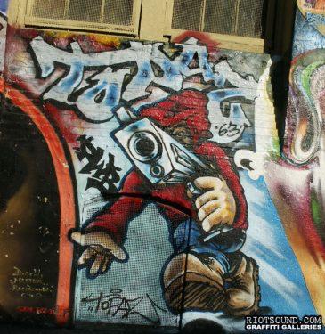 61_Topaz_Graffiti