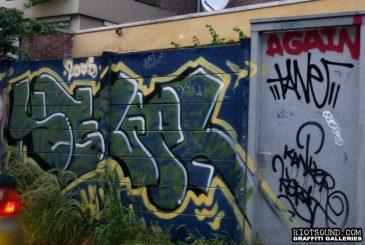 Graff_In_Alleyway