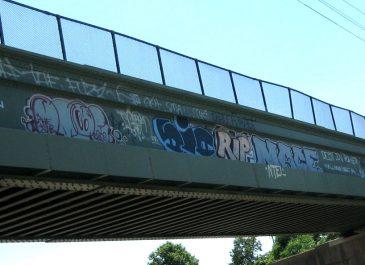 Graffiti_On_Bridge