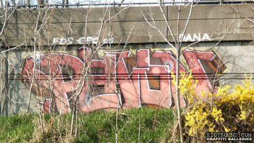 Highway_Roadside_Graffiti