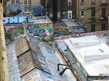 Rooftop_Graffiti