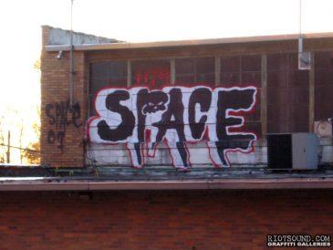 Space_Graffiti_Artist